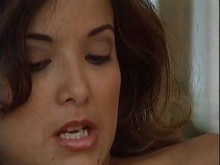 सेक्सी लड़कियों को दो नौकरों द्वारा डबल प्रवेश प्यार करता है
