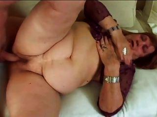 बड़े गधे और स्तन के साथ बीबीडब्ल्यू दादी dominika