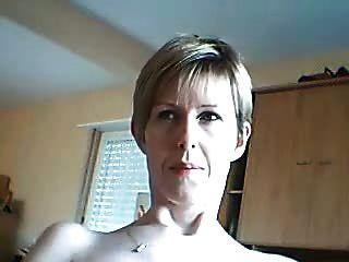 शौकिया महिला चाहती है कि आप उसके चेहरे को देखने के लिए जैसे वह cums
