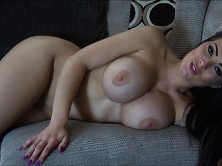 ब्रिटेन ग्लैमर देवी नग्न और चिढ़ा पेर्फ बॉडी