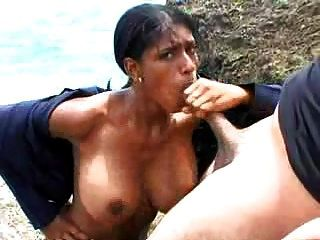 बड़े स्तन बेब द्वारा blowjob