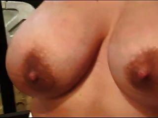 महिलाओं का दबदबा दुहना बड़ा titties