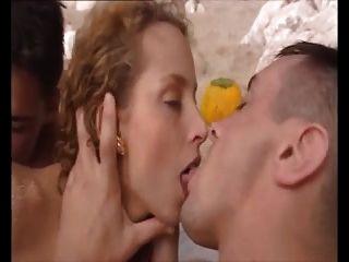 समुद्र तट एमएमएफ सेक्स
