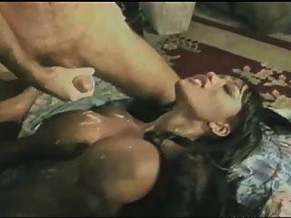 उसके स्तन पर सह के साथ बकवास हो रही अभिनेता