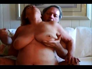 आप मेरे बड़े स्तनों को पसंद करते हैं