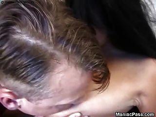 Busty गर्भवती महिला सेक्स आनंद मिलता है