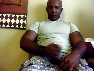 कैम पर str8 सैन्य आदमी