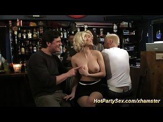 गर्म पार्टी सेक्स बकवास नंगा नाच