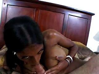 काले डिक के लिए काले लैटिन लड़की