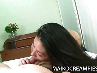 परिपक्व जापानी akiko तसाका उसे बिल्ली में सह चाहता है
