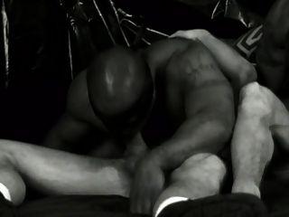 काले सफेद और गर्म दृश्य 1