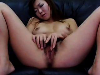 जापानी महिला अपने बालों बिल्ली masturbating