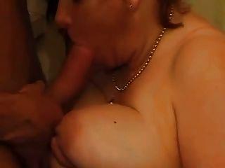 बड़ा Busty नानी