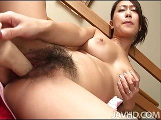 ययय यानागडा एक प्यारे जापानी शहद के साथ एक प्यारे घुटन खाई है