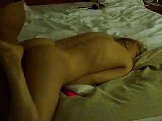 बीबीसी द्वारा दो लड़कियों फिल्म गधा कमबख्त
