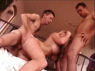 मिशेल बी गीला सेक्स टपकता (डीपी)
