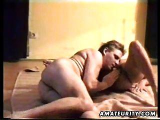 परिपक्व शौकिया पत्नी गधा पर cumshot के साथ बेकार है और fucks