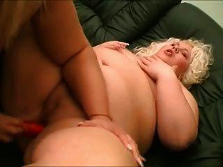 वसा बीबीडब्ल्यू प्लमबर लेस्बियन चूसने स्तन और बिल्ली 2 प्यार करता है