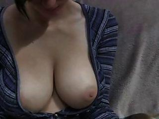बड़ी पीली चमड़ी स्तन