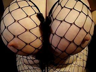 विशाल स्तन बड़े निपल्स