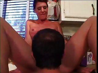 रसोई में सही शरीर milf fucks