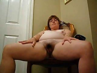 BBW परिपक्व उसके शरीर को दिखाता है