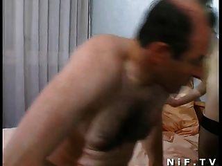 बड़ा boobed फ्रेंच श्यामला sodomized