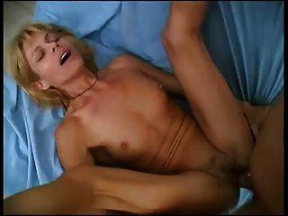पुराने सेक्सी लड़की .....