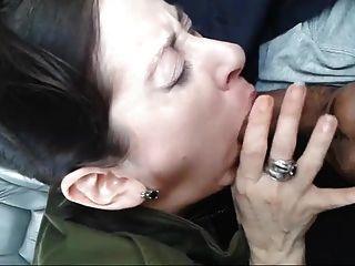 लड़की कार में डिक चूसने अजनबी चूसने