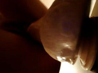 लड़की पूरे 12 इंच dildo pt.2 लेती है