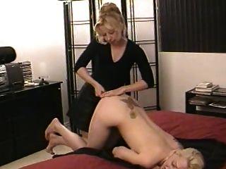 प्यारी बहनों नग्न खेलें (1)