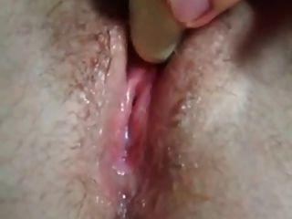 गीला बिल्ली squirting के ऊपर बंद