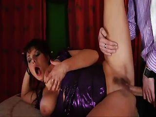 विशाल स्तन के साथ सुंदर माँ, बालों वाले pubis \u0026 सौंदर्य चेहरा!
