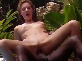 सफेद पत्नी जमैका में फ्रेंच काले के साथ fucks