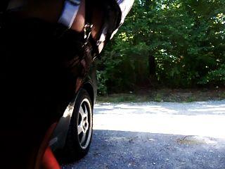 एक पार्किंग की जगह पर trannycock और dildofucking wanking
