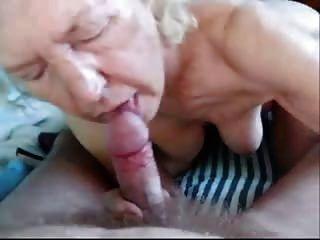 पुराने दादी दादी के लिए लिंग चूसने