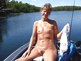 छोटे titties शो के साथ मिठाई का सामना करना पड़ा गर्म महिला