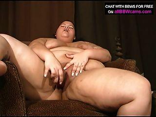 बीबीडब्ल्यू लड़की उसे मोटा बिल्ली में dildo चाहता है
