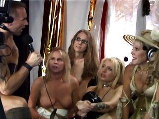 सेक्स शो के दौरान यहूदी दादी squirts