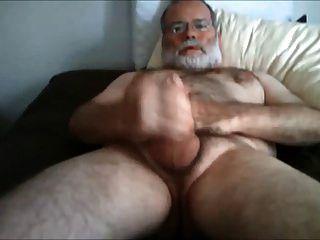 बिस्तर पर wanking daddybear