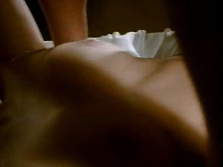 वेटर अपनी पत्नी के साथ डबल प्रवेश के लिए जोड़े में मिलती है