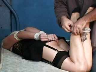 कैसे इस tranny वेश्या बाध्य होने की इच्छा