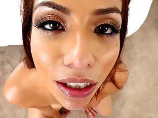 लैटिन सुंदरता इसाबेला डी संतस बड़े पैमाने पर चेहरे की cumshot लेता है
