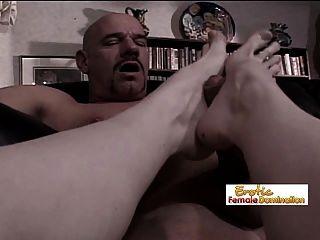 गुदा fisting के बाद यह पिछवाड़े में एक पैर के लिए समय है