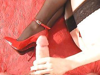 मेरे लाल पेटेंट उच्च ऊँची एड़ी के जूते पर cumshot
