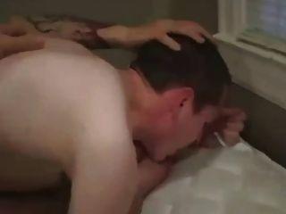 पीठ और सफेद लंड सह गधे के अंदर सह
