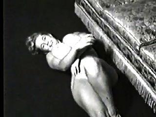 विंटेज बड़े स्तन 7 (वर्जिनिया विशाल स्तन घंटी)