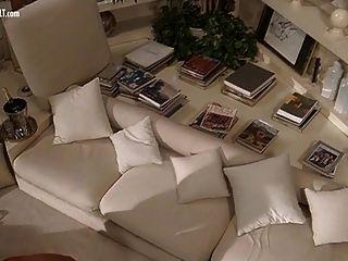 आइओ गिल्डा से पामेला प्रेटी वेलेंटाइन डेमी नग्न दृश्य