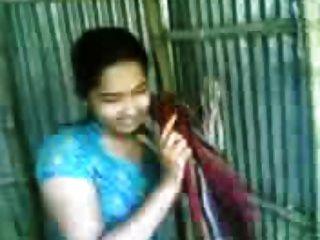 बांग्लादेशी भबी स्नान