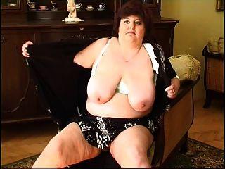 वसा दादी masturbating 2